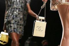 Lý do Chanel chỉ bán cho mỗi người Hàn Quốc một chiếc túi bất chấp 'cơn khát' hàng xa xỉ ngày càng tăng cao