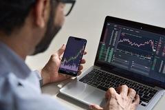 Khối ngoại bán ròng tuần thứ 10 liên tiếp trên HoSE, giao dịch đột biến cổ phiếu MML