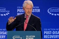 Bill Clinton nhập viện qua đêm