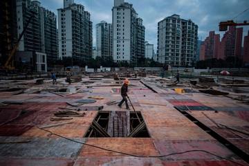 Thách thức nợ 5.000 tỷ USD của thị trường BĐS Trung Quốc (PII)