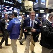 Phố Wall trái chiều, S&P 500, Nasdaq tăng nhờ cổ phiếu công nghệ
