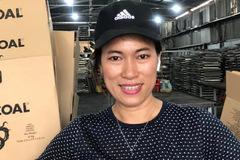 Người phụ nữ bỏ việc ngân hàng, bán nhà để sản xuất loại than đặc biệt