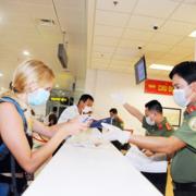 Tạo điều kiện thuận lợi cho người nước ngoài nhập cảnh