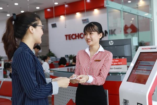Lãi 9 tháng Techcombank tăng 60%, nợ xấu tăng 41%