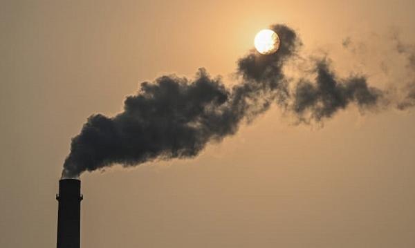 Thiếu điện trầm trọng, Trung Quốc có thể phải tạm gác tham vọng giảm phát thải