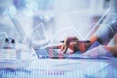 Đầu tư cổ phiếu tài chính và vật liệu, lợi nhuận các quỹ thuộc VinaCapital tăng trưởng sau 9 tháng