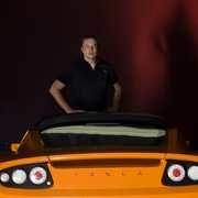 Không phải Elon Musk, đây là 2 nhà sáng lập thật sự của Tesla