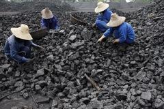 Giá than lao dốc sau khi Trung Quốc tuyên bố sẽ xử lý các khu dự trữ trái phép