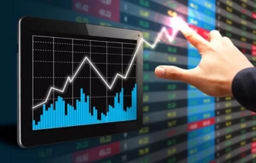 Cổ phiếu bất động sản đua nhau bứt phá, VN-Index tăng gần 15 điểm