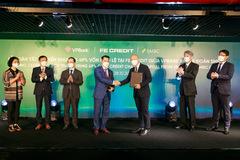 VPBank hoàn tất bán 49% vốn FE Credit cho SMBC