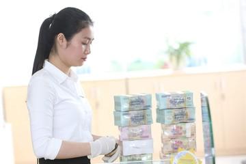 Người làm công ăn lương giảm thu nhập